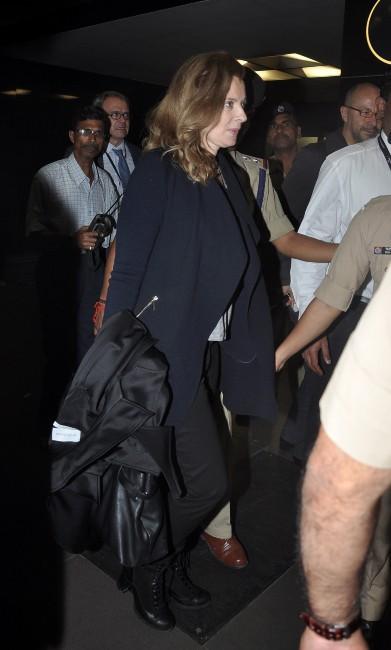 Valérie Trierweiler à l'aéroport international Chhatrapati-Shivaji à Bombay, prête à rentrer en France, le 29 janvier 2014.