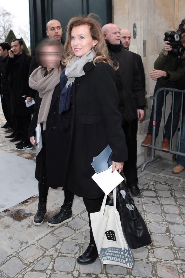 Valérie Trierweiler au défilé Dior organisé au musée Rodin de Paris le 28 février 2014