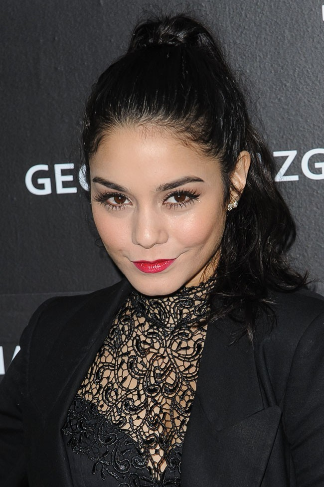 Vanessa Hudgens à New-York pour la soirée Charity Meets Fashion Holiday Celebration le 17 décembre 2012