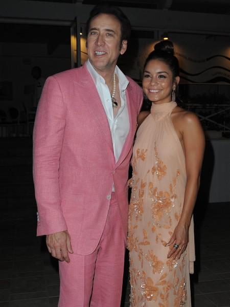Vanessa Hudgens et Nicolas Cage lors de la première de son nouveau film The Frozen Ground à Ischia, le 20 juillet 2013.