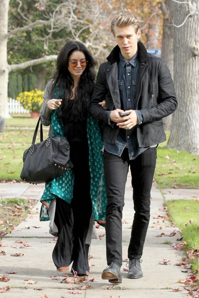 Vanessa Hudgens et Austin Butler à Los Angeles, le 23 décembre 2012.