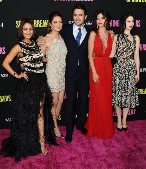 Vanessa Hudgens et l'équipe du film le 14 mars 2013 à Hollywood