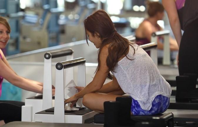 Vanessa Hudgens à son cours de Pilates à Los Angeles le 14 mars 2013