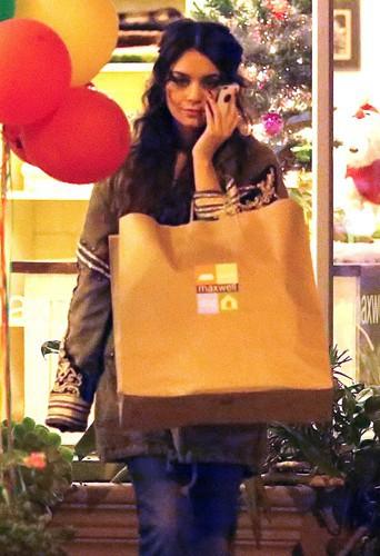Vanessa Hudgens à Los Angeles le 23 décembre 2013