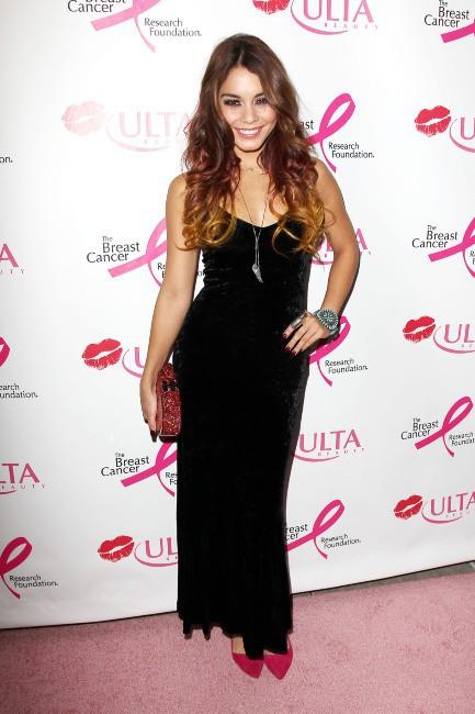 """Vanessa Hudgens lors de la soirée """"ULTA Beauty Donate With a Kiss Event"""" à New York, le 3 octobre 2013."""