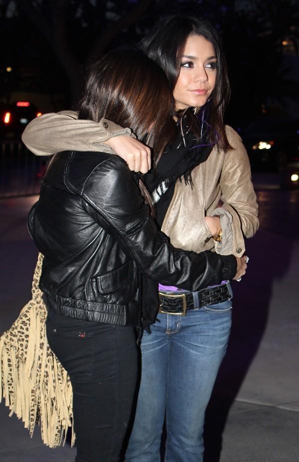 Vanessa veut garder sa soeur pour elle et rien que pour elle !