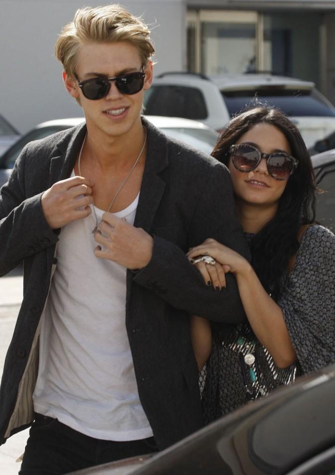 Vanessa Hudgens et son boyfriend dans les rues de Beverly Hills !