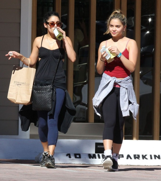 Vanessa et Stella Hudgens le 28 octobre à Studio City