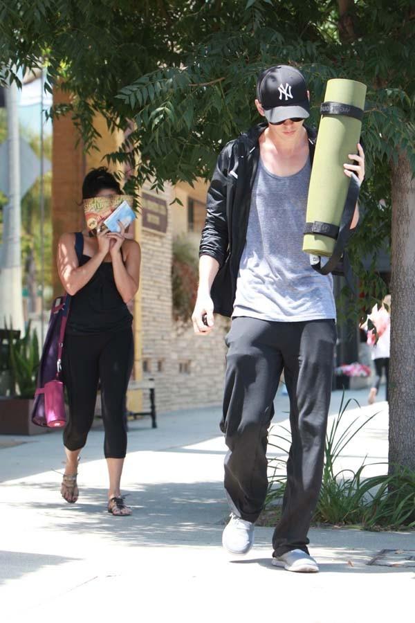 Vanessa Hudgens pour son cours de yoga à Studio City le 2 août 2012