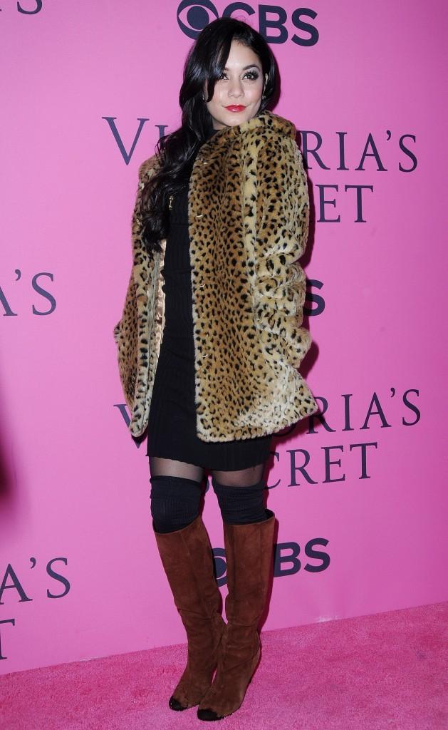 Vanessa Hudgens et lors du photocall du défilé Victoria's Secret à New York, le 7 novembre 2012.