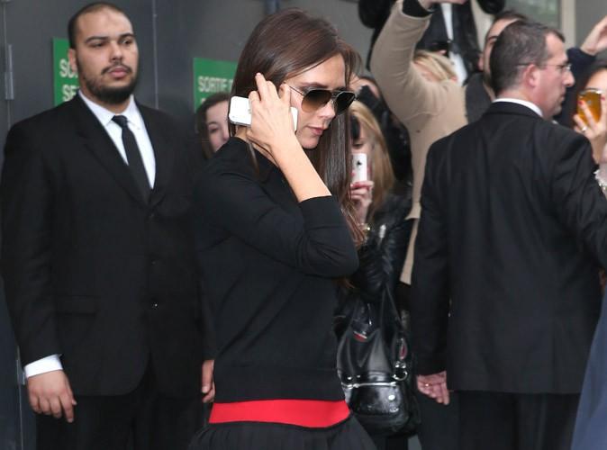 Victoria Beckham : elle a inauguré son corner au Printemps, en noir, forcément !