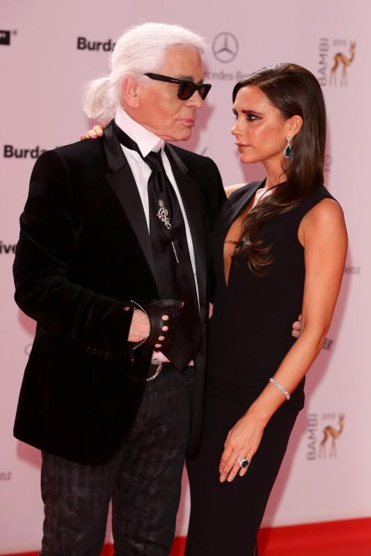 Victoria Beckham et Karl Lagerfeld lors de la soirée des Bambi Awards à Berlin, le 14 novembre 2013.