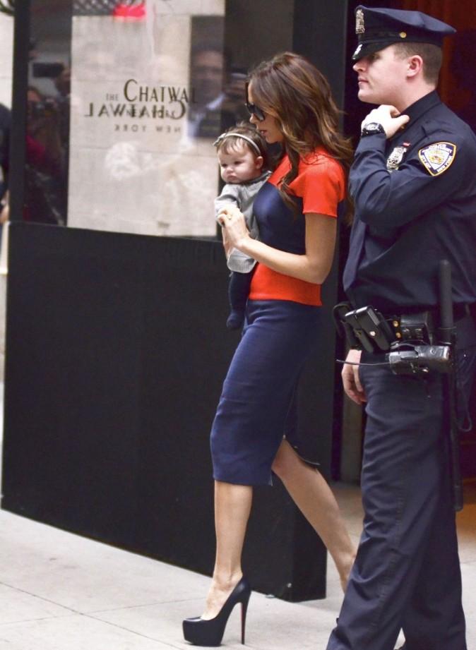 Victoria Beckham et sa fille Harper en virée à New York, le 15 novembre 2011.