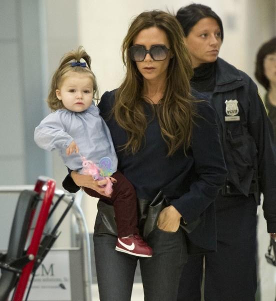 Victoria et Harper Beckham le 20 octobre 2012 à New York