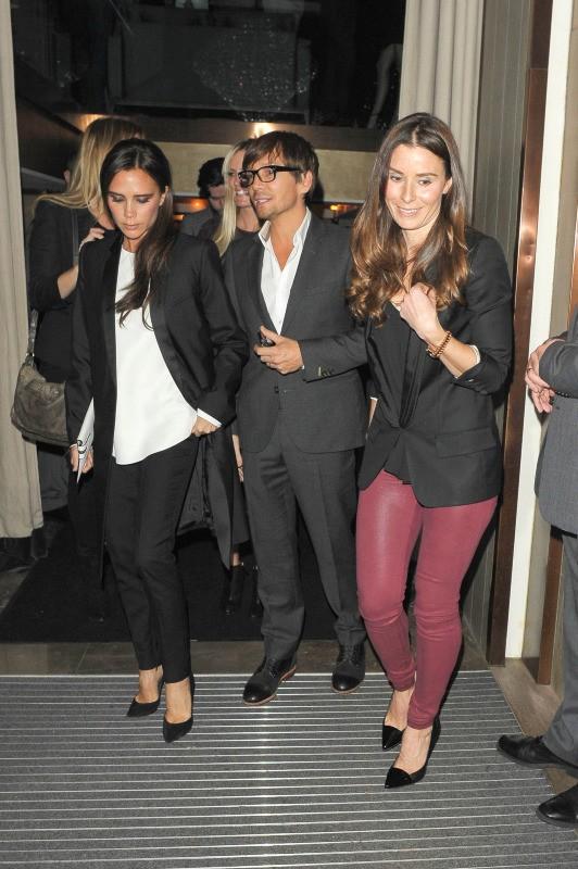 Victoria Beckham, Ken Paves et Tana Ramsay à Londres, le 18 novembre 2013.