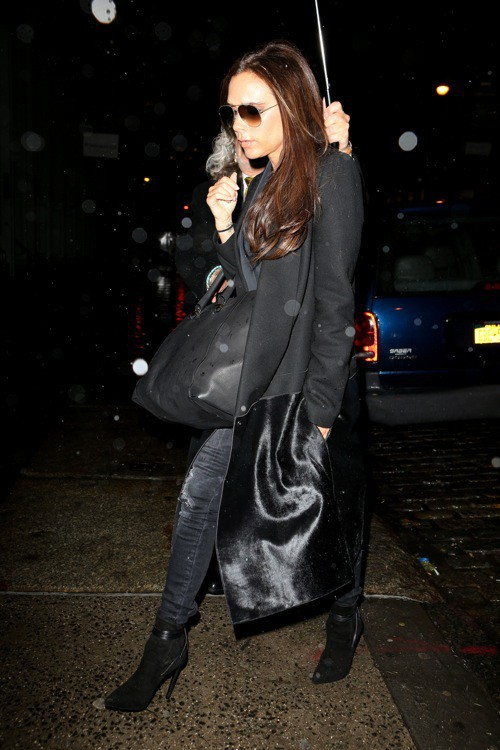 Photos : Victoria Beckham : rien ne peut briser le mythe... et surtout pas les intempéries !