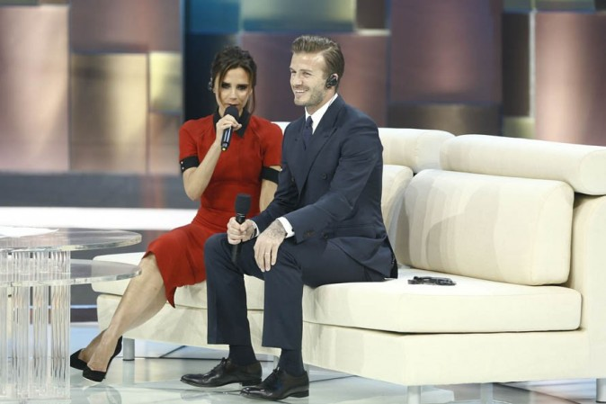 Victoria et David Beckham sur un plateau télé à Pékin, en Chine, le 23 juin 2013