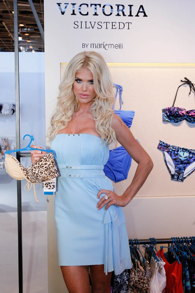 Victoria Silvstedt au Salon international de la lingerie, à Paris, le 6 juillet 2013