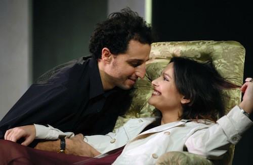 Virginie Ledoyen et Arié Elmaeh jouent ensemble dans la pièce de théâtre Irrésistible en 2007