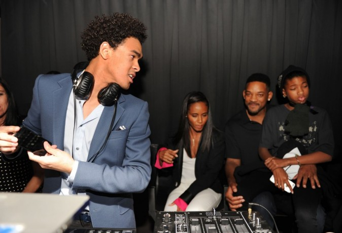 La famille Smith assiste au show de l'aîné de Will, Trey, devenu DJ