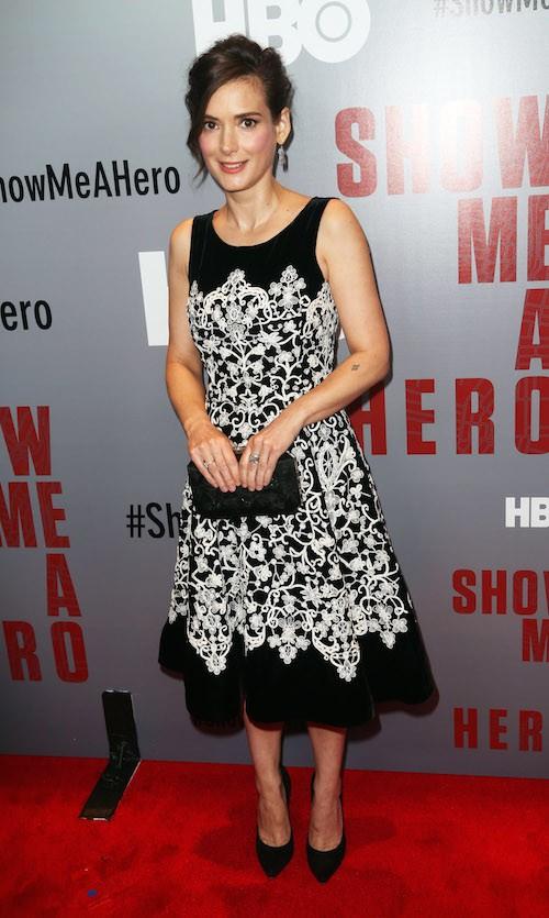 Photos : Winona Ryder prête à reprendre son rôle dans Beetlejuice 2 !