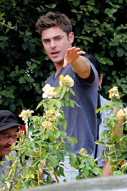 Photos : Zac Efron : encore un personnage déjanté pour l'acteur, qui essaie de rester sobre !