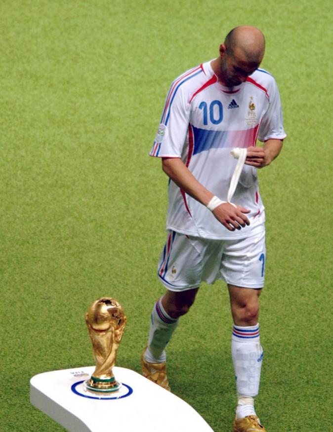 Zidane quitte le terrain sans regarder la Coupe du monde