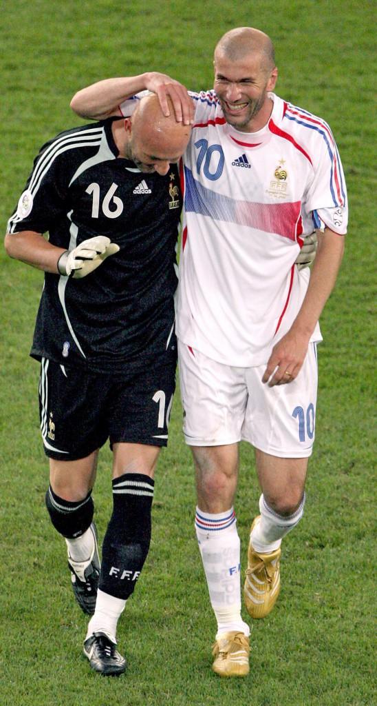 Zizou et son pote Fabien Barthez (2006)