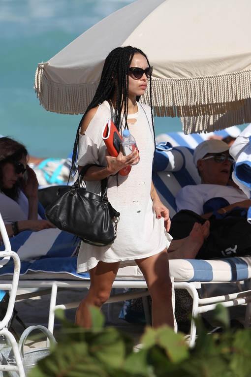 Zoe Kravitz à Miami le 3 décembre 2014