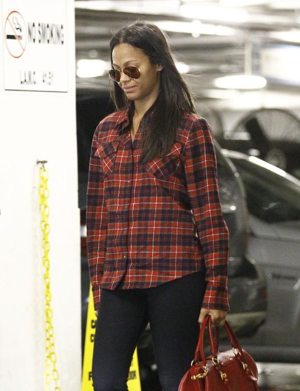 Zoe Saldana le 3 décembre 2012 à Century City
