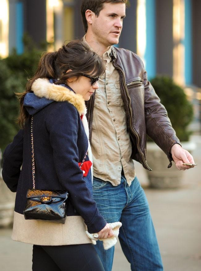Zooey Deschanel et son boyfriend Jamie Linden à New-York le 21 novembre 2012
