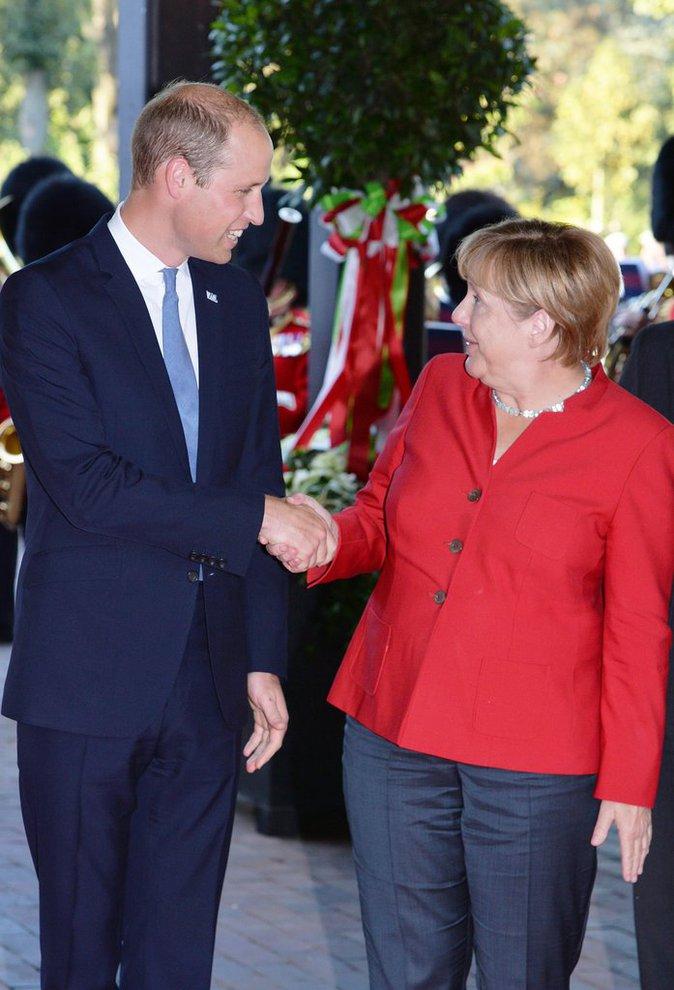 Le Prince William a rencontré Angela Merkel à Dusseldorf, ce 23 août 2016