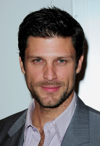 Greg Vaughan alias Dan Gordon