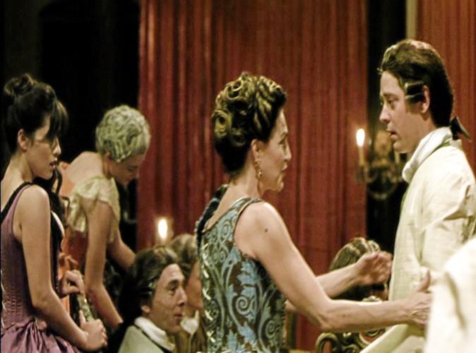 """-""""Mais nous avons d'autres superbes filles à vous proposer. Hortense ?"""""""