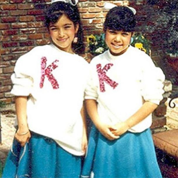Ces deux soeurs sont...