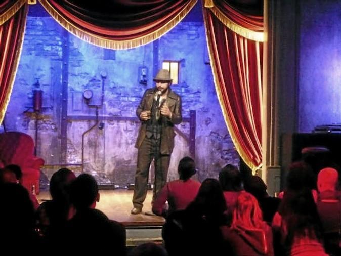 Du jeudi au samedi à 21h30, il est sur la scène du comedy Club pour son stand-up. Dans la tête des Redouanne Harjane. Il sera également au Festival Marrakech du rire, du 6 au 10 juin !