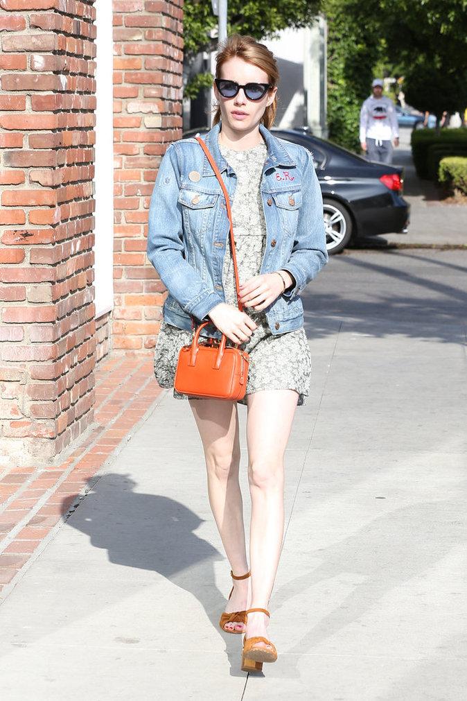Emma Roberts et sa veste en jean