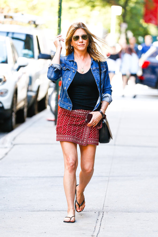 Jennifer Aniston et sa veste en jean