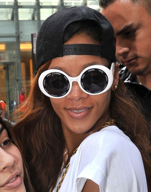 Rihanna porte Chanel à sa façon