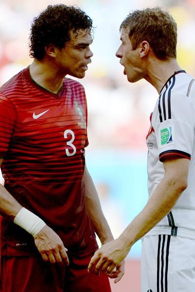 Thomas Muller et Pepe s'expliquent après le coup de tête de Pepe