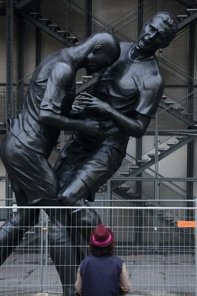 Un coup de tête immortalisé par le sculpteur algérien Abdel Abdessemed