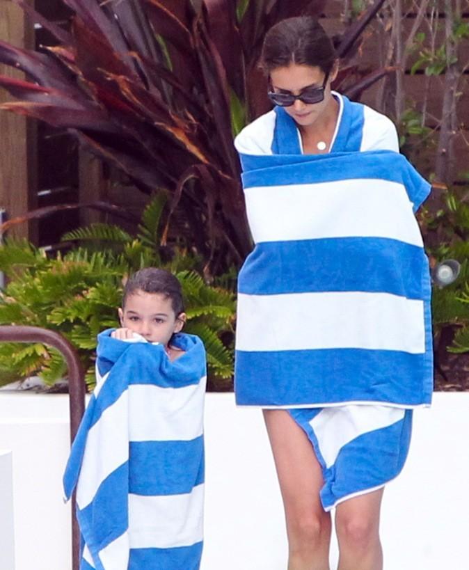 Katie Holmes et Suri profitent d 'une journée à la plage !