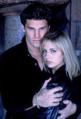 Davis Boreanaz dans Buffy contre les vampires