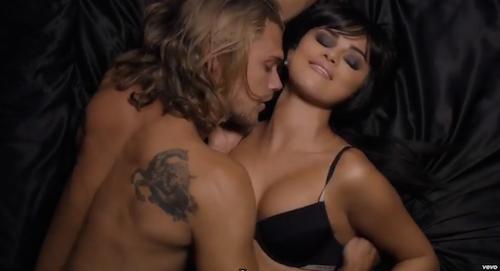 Vidéo : Selena Gomez : harceleuse sexy dans le clip de Hands To Myself !