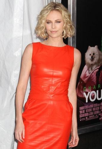 Charlize Theron : célibataire et fière de l'être !
