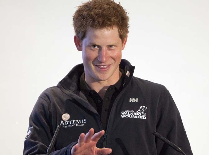 Prince Harry : il fait la fête à San Diego, attention au syndrome Ashton Kutcher !