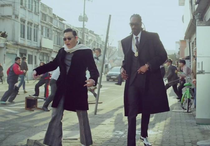 """Vidéo : Psy et Snoop Dogg font (trop) la fête dans le clip de """"Hangover"""" !"""