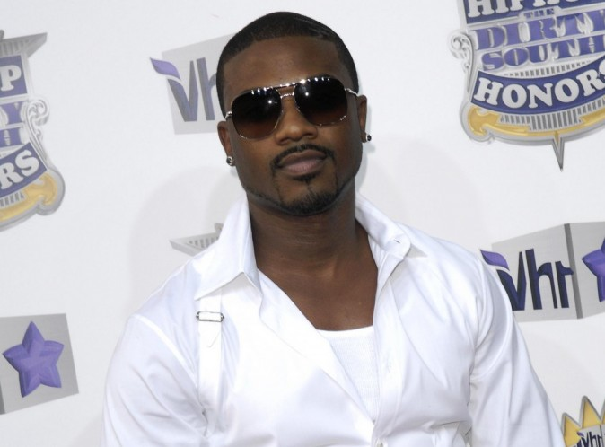 Ray J : il a échappé de peu à une terrible humiliation lors des Billboard Music Awards 2012 !