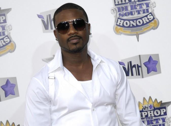 Ray J : il ne se remet pas de la mort de sa bien-aimée Whitney Houston, et s'affiche désemparé à L.A...