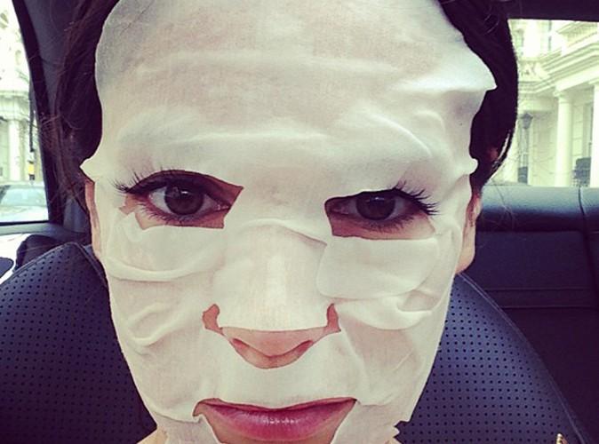 Reconnaissez-vous cette femme masquée ?